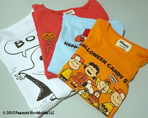 「PEANUTS Tシャツ」キッズT2940円(1サイズ130㎝)、大人T4725円(1サイズM)。キッズはオレンジ、水色2色で半袖のみ。大人Tは長袖、半袖あり。